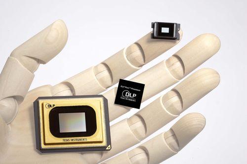 Texas Instruments показала мобильник и проектор в одном чипсете