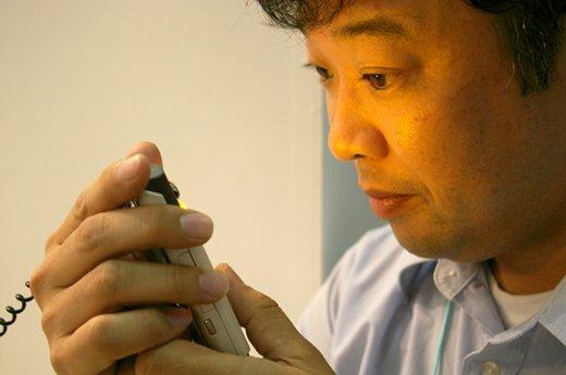 LG использует технологию опознавания по радужке глаза в телефонах?